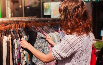 Woman sparks debate by asking if buying second-hand towels is OK