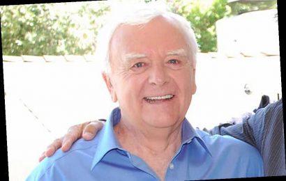 Mark Elliott Dies: Longtime Voice Of Disney Trailers Was 81