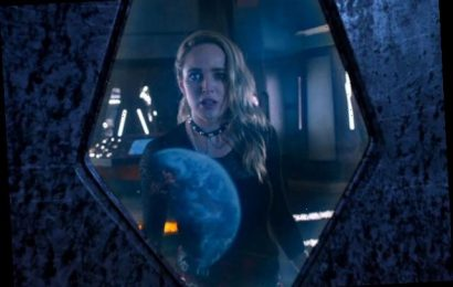 Legends Team Sets Out to Save Sara From Aliens in First Season 6 Promo