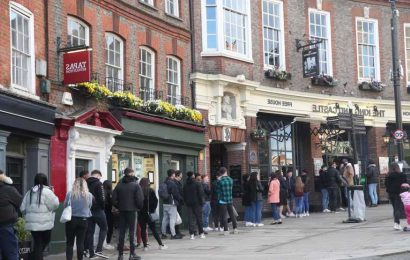 Wetherspoon May Bank Holiday 2021 opening times: What time are pubs open today?