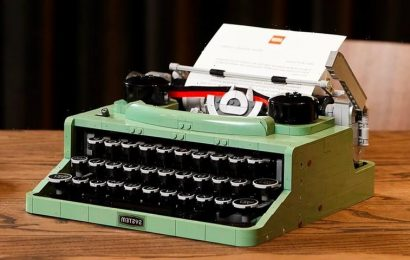 LEGO IDEAS Retro-Inspired Typewriter Features Real Working Keys