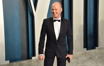 """Michael Keaton Feels Like He Disappointed Cher: """"That Was Traumatic"""""""