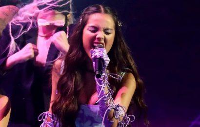 """Olivia Rodrigo Makes Her VMAs Debut With a Rockin' Performance of """"Good 4 U"""""""