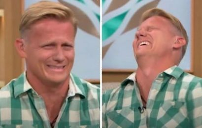 This Morning fans mortified as unprofessional Dr Scott apologises Ridiculous!