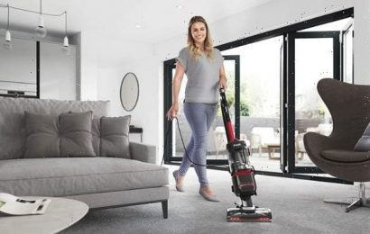 This bestselling Shark vacuum cleaner is now under £200 on Amazon