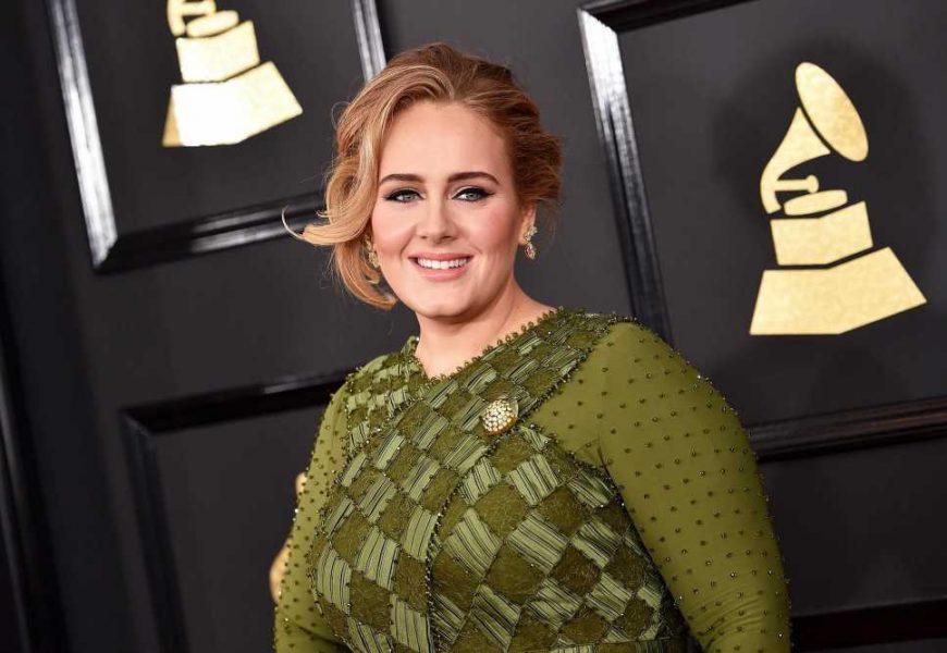 Adele's makeup artist spills the secrets behind her signature eyeliner